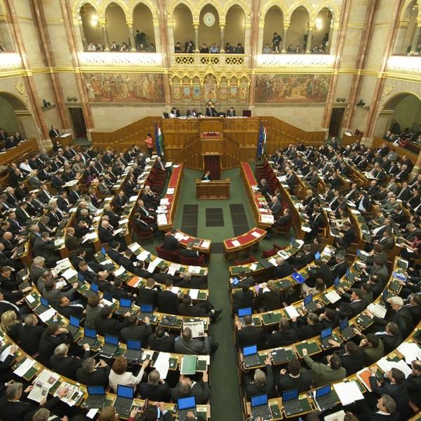 Parlamenti Ülésnapok